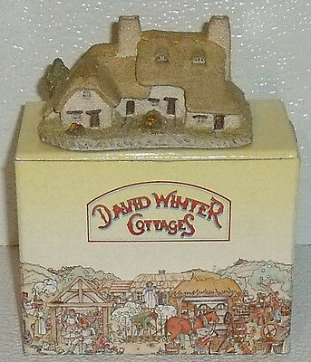 David Winter Cottages MEADOW BANK COTTAGE 1985 In Box
