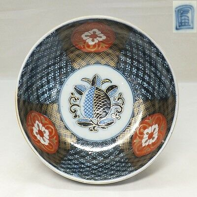G448: Japanese OLD IMARI colored porcelain bowl with appropriate painting