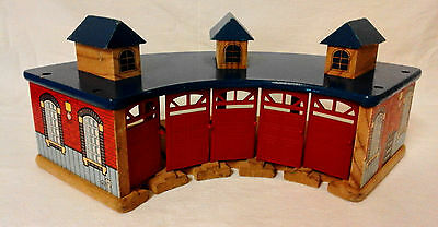 Thomas & Friends Wooden Train Track Engine Shed Compatible With Brio & ELC