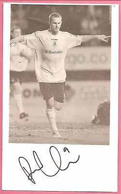 Rowan Vine, Luton Town football signed 8x5 inch white card + picture.