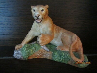 "1 x NATIONAL WILDLIFE FEDERATION - ASIATIC LIONESS, ORNAMENT - Approx. 4"" tall."