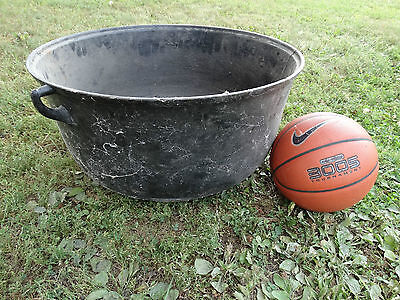 Vintage Large Cast Iron Cauldron Garden Planter Pot Yard Decor fire pit Antique