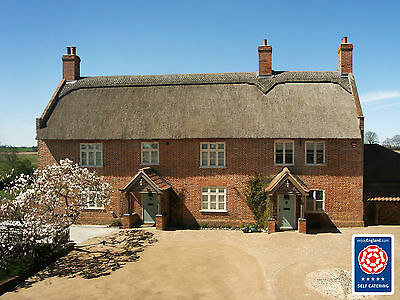 Norfolk 5* Holiday Cottage - Sleeps 2 - 5. Ideal for Families. Dog Friendly