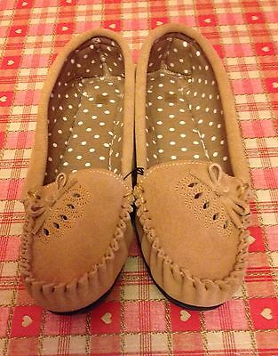 Ladies Light Brown Suede Moccasin Leather 5 Slippers Bnwot