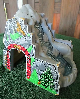 Brio/thomas Compatible Wooden Railway Moutain Waterfall/tunnel - Non-Working