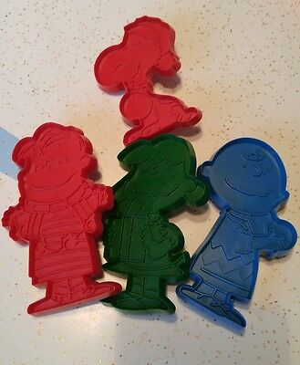 Vtg Charlie Brown Christmas Cookie Cutters Peanuts Snoopy Linus Lucy