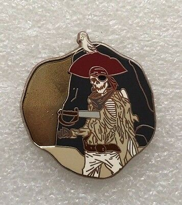 Disney Pin  DLR Pirates of the Caribbean 'Legend of the Golden Pins' Skeleton