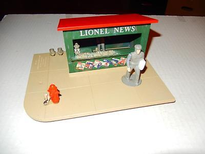 Lionel Post-War - #128 Operating Newstand Accessory- Works Fine- 0/027 - S7