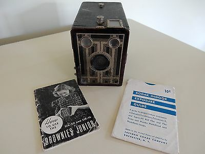 """VINTAGE SIX-20 """"BROWNIE"""" JUNIOR BOX CAMERA with instructions"""