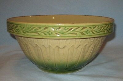 "Antique HULL Gothic Arches Cathedral Green Yellowware 9 1/2"" Mixing Bowl"