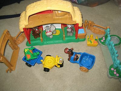 Fisher Price Little People Stable with Horses playset