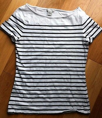 size 10-12 women's H&M t shirt/top black and white stripes.