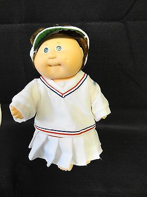 COLECO Cabbage Patch Kids BROWN HAIR GREEN EYES Doll in TENNIS Outfit