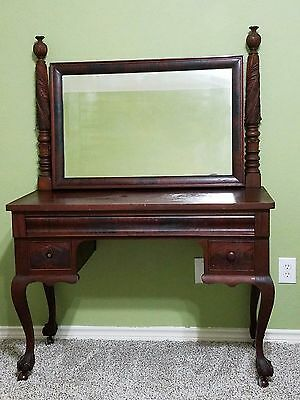 Berkey & Gay Antique vanity Dressing Table, circa 1900 in great condition