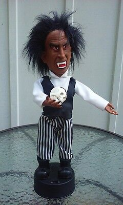 Halloween Monster Figure Light Sound Dracula Doll Vampire 16 Inch Tall