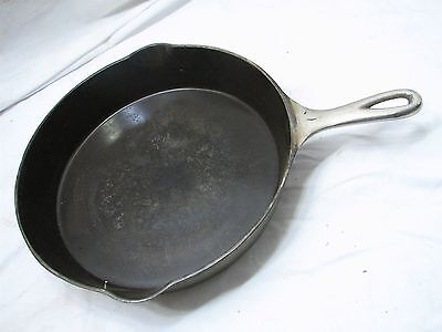 Antique Wagner Sidney No. 10 -O Cast Iron Skillet w/Heat Ring  Fry Pan