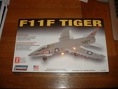 LINDBERG KIT for a US F-11F TIGER FIGHTER AIRCRAFT Scale 1/48
