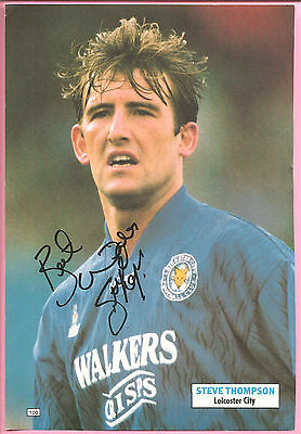 Steve Thompson, Leicester City signed football book picture 10.5 x 7.5 inches