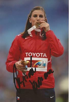 ATHLETICS: ZUZANA HEJNOVA SIGNED 6x4 MEDAL ACTION PHOTO+COA *RIO 2016* *CZECH*