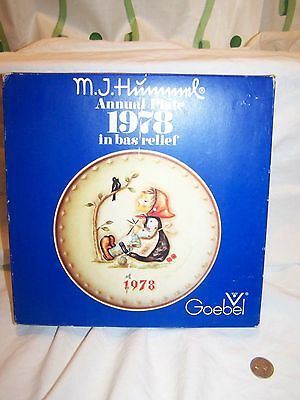 Vintage 1978 HUMMEL COLLECTOR PLATE HAND PAINTED in original box