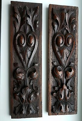 2 x wooden carvings