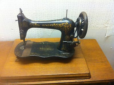 Singer Sewing Machine Foot Pedal And Work Light