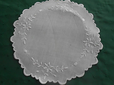 Fantastic Round White Linen Doily With White Work Hand Embroidery Circa 1920