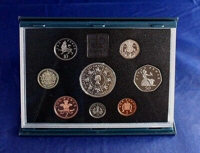 1993 Royal Mint 8 coin Proof Set in case with COA   (L2/3)