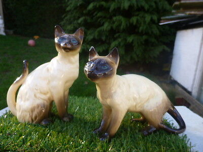 Collectable * Pair Of Siamese * Cat Figures * Low Reserve *