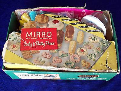 Vintage MIRRO Aluminum Cookie & Pastry Press 358AM 12 Discs 3 Tips Box & More