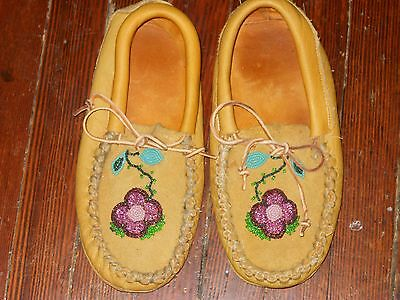 Vintage Beaded Leather Moccasins Womens Sz 8 9 Very Good Condition