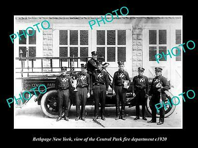 OLD LARGE HISTORIC PHOTO OF BETHPAGE NEW YORK, THE FIRE DEPARTMENT CREW c1920