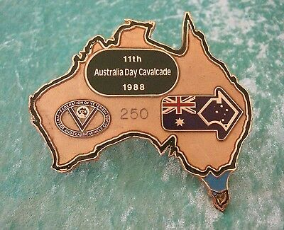 GRILLE / CAR BADGE - 11th AUSTRALIA DAY CAVALCADE 1988 - FEDERATION OF V V & C V