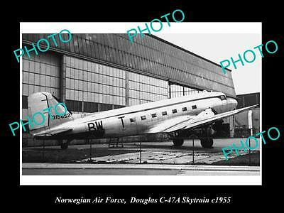 OLD LARGE HISTORIC PHOTO OF NORWAY AIR FORCE, DOUGLAS SKYTRAIN PLANE c1955