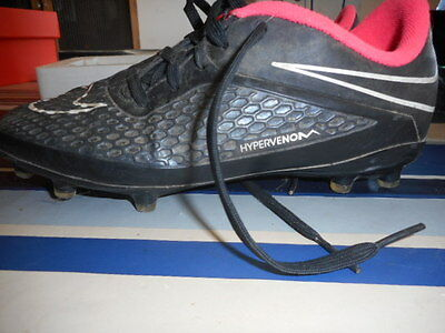 Chaussure de foot NIKE taille 35,5