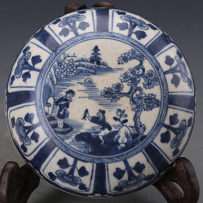 CHINESE ANTIQUE Blue and White Seal box from Qing dynasty 19th