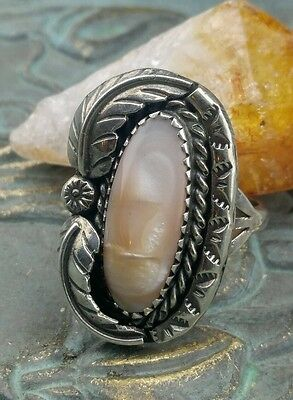 ~Vintage Navajo Native American Mother of Pearl Sterling Ring~ Size 7~