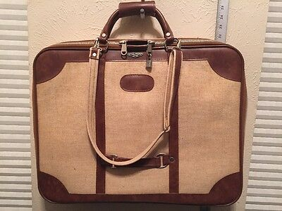 """Vintage National Specialty Chicago Art and Document Portfolio Case 22""""X 17"""" X 3"""""""