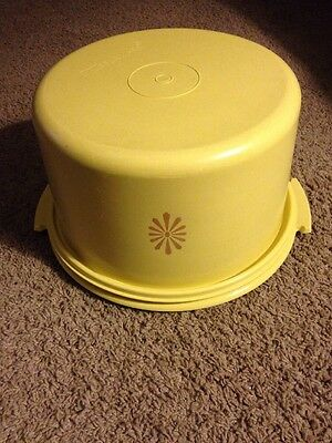 Vintage Harvest Gold Starburst Tupperware Cake Saver 2 Piece Set #683-2