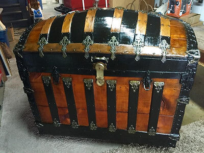 Antique Saratoga style Camel back  LARGE Trunk