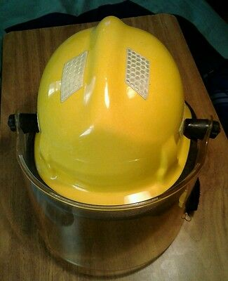 Cairns 360S Structural Thermoplastic Firefighter Fire Yellow Helmet with shield,