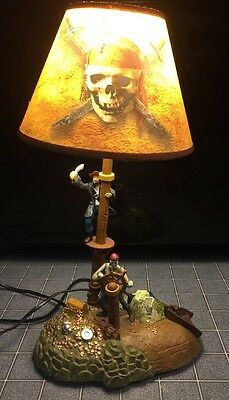 Rare DISNEY STORE animated PIRATES OF THE CARIBBEAN Musical LAMP LIGHT CAPT JACK