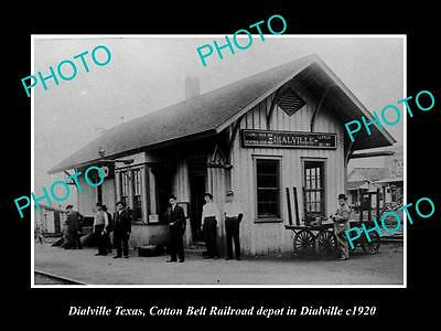 OLD LARGE HISTORIC PHOTO OF DIALVILLE TEXAS, THE RAILROAD DEPOT STATION c1920