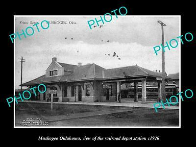 OLD LARGE HISTORIC PHOTO OF MUSKOGEE OKLAHOMA, THE RAILROAD DEPOT STATION c1920