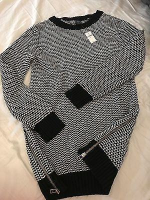 GAP Maternity Sweater Black And White Size Medium NWT Great Quality