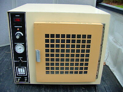 Lab Line Vacuum Oven 3618 120V 1300 Watts TESTED TO HEAT  & HOLD VACUUM