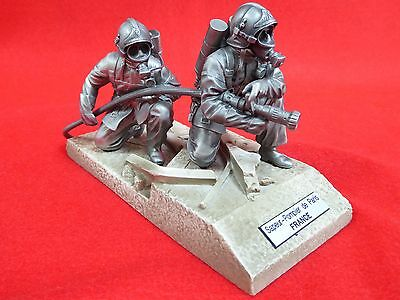 """French """"pompiers Du Monde"""" - Very Detailed Pewter Sculpture - 6"""" Approx"""
