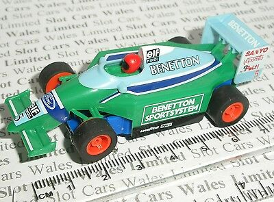 MICRO Scalextric - F1 Benetton #5 - Schumacher 1994 Livery (Red Wheels) - Mint