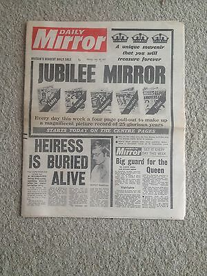 Daily Mirror 30th May 1977  Page 5 Nicki Debuse.  Whole and original.