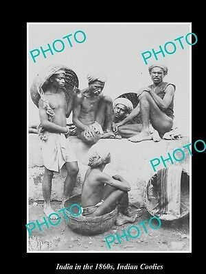 OLD LARGE HISTORIC PHOTO OF INDIA IN THE 1860s, A GROUP OF INDIAN COOLIES